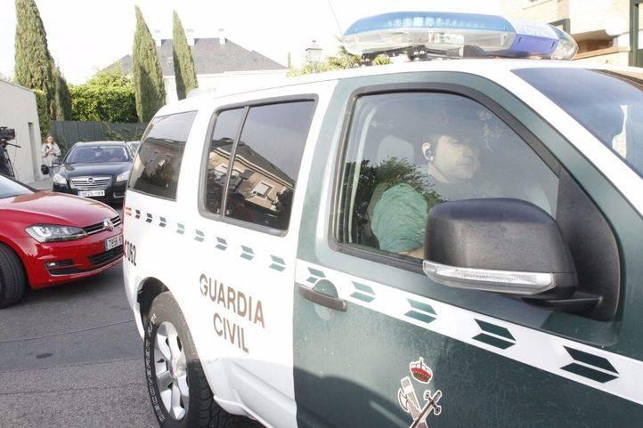 Más de 10 detenidos tras el registro de varias consejerías de la Generalitat
