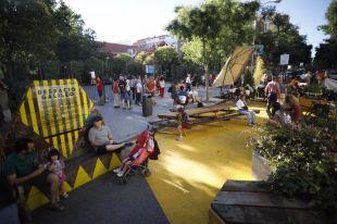 Bailes en la calle Galileo para celebrar el Día sin Coches