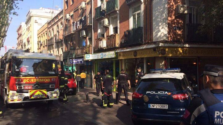 Un incendio en Vallecas deja dos heridos graves