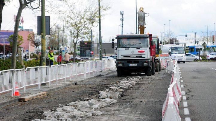 Obras para asfaltado en la calzada de Hermanos Garcia Noblejas.