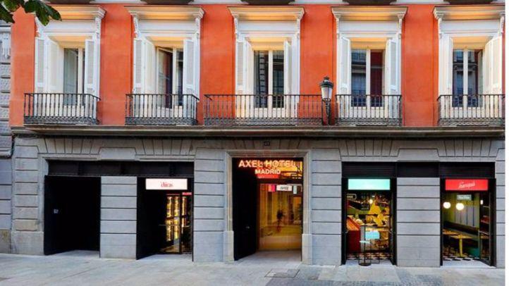 Fachada del primer hotel LGTBI de Madrid.