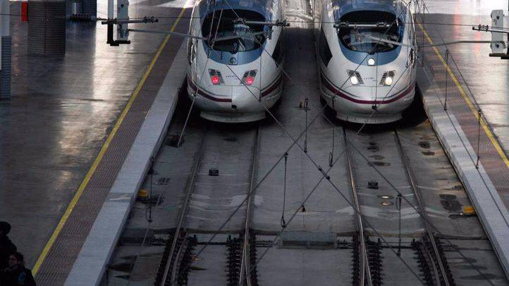 Trenes AVE en la estación de Atocha