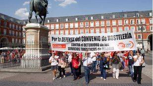 Sindicatos y asociaciones convocan una manifestación por un turismo sostenible