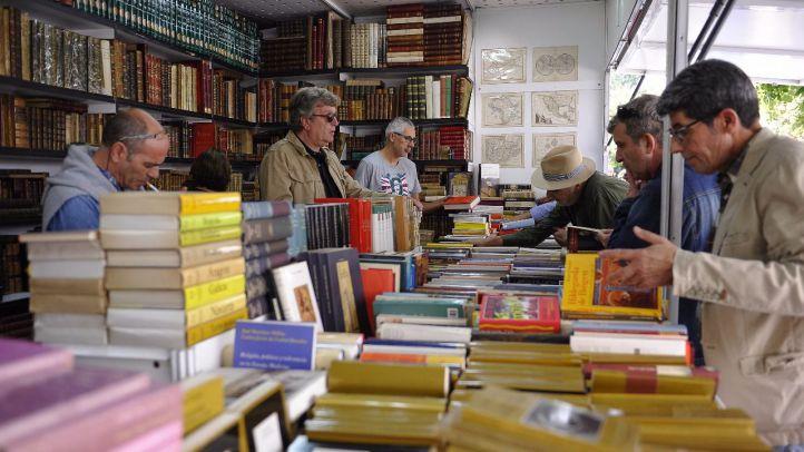 Miles de libros de otras épocas resurgen con el otoño
