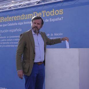 Hazte Oír parodia el referéndum de Cataluña
