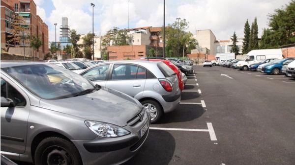 Vuelve la polución mientras Madrid espera 12 aparcamientos disuasorios