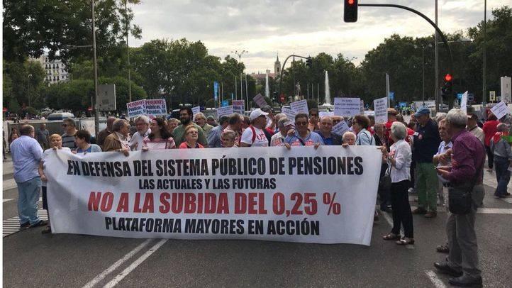 Concentración en Neptuno en defensa de las pensiones