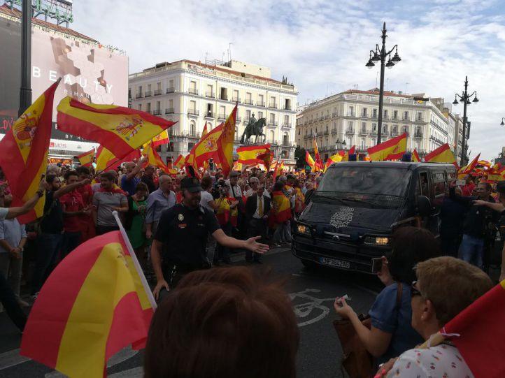 Cientos de personas claman por la unidad de España