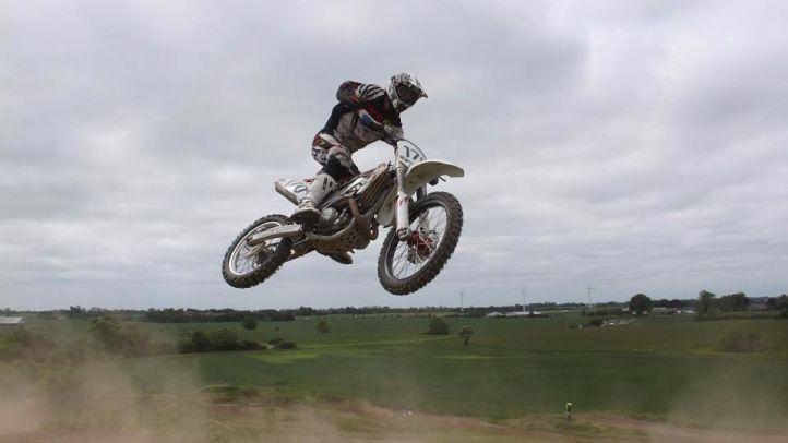 Muere un hombre en un circuito de motocross
