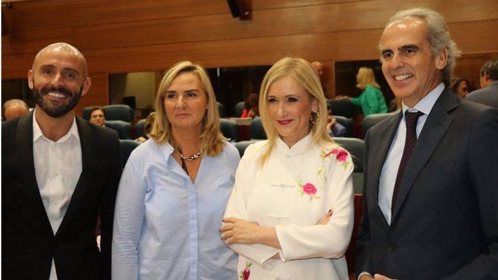 Jaime de los Santos, Rosalía Gonzalo y Enrique Ruiz Escudero, nuevos consejeros arropados por la presidenta Cristina Cifuentes