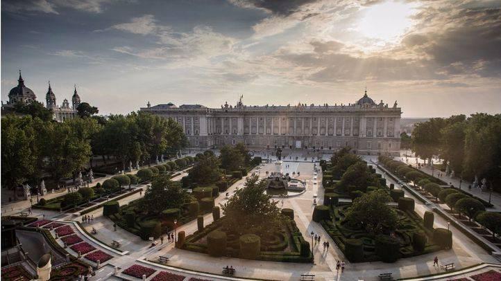 Plaza de Oriente y Palacio Real vistos desde el Teatro Real.