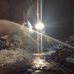 Arde una planta de tratamiento de residuos de Serranillos del Valle