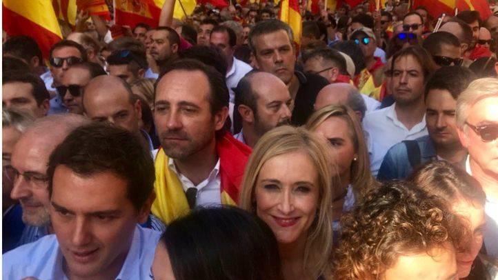 Cristina Cifuentes, presidenta del la Comunidad de Madrid, en la manifestación contra la independencia