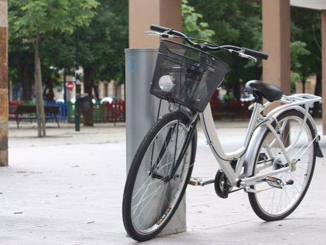 Una bicicleta aparcada. (Archivo)