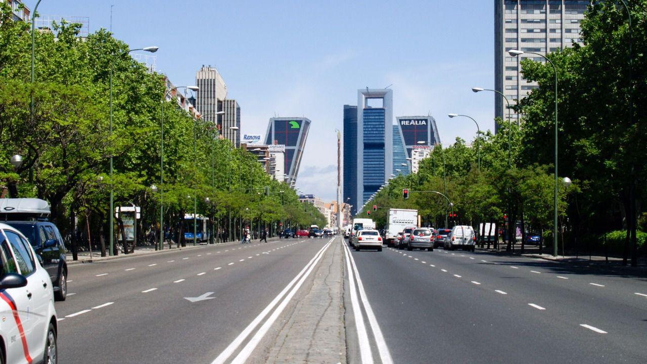 Abertis y colonial consuman su marcha planeta amenaza for Oficinas de adeslas en barcelona