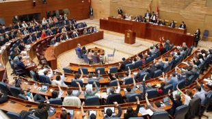 La Asamblea debatirá si se prohíben las fiestas en fincas rurales