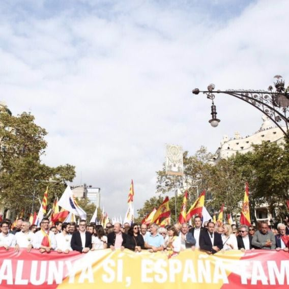 La 'mayoría silenciosa' grita de nuevo en Barcelona
