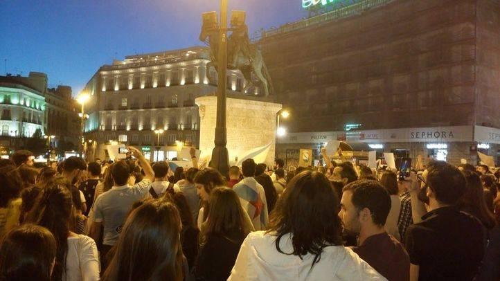 Concentración en Sol contra la gestión de los incendios en Galicia y Asturias.