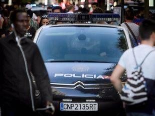 Detenidos tres empresarios en Moratalaz por contratación irregular