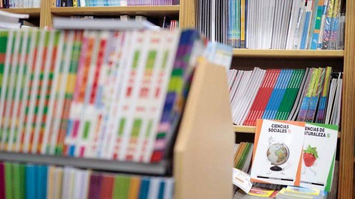 Libros de texto de primaria en la librería Multicolor en la calle Arenal, 3.