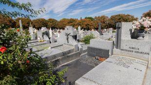 Reforzado el transporte para ir a los cementerios