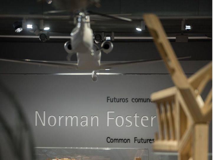 Exposición sobre Norman Foster en el edificio del Espacio Fundación Telefónica.