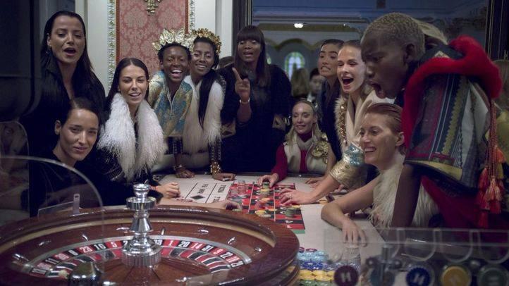 Santiago del Palacio presenta su nueva colección en el Casino Gran Vía