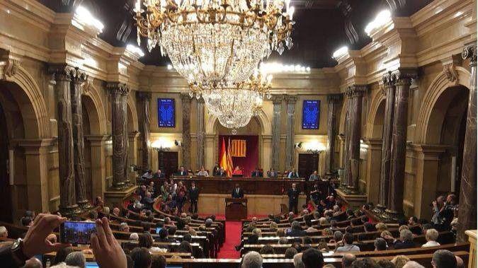 Pleno del Parlament: Junts Pel Sí propone declarar la independencia este viernes