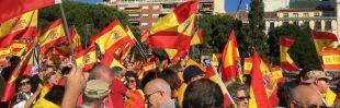Miles de personas salen a la calle para defender España