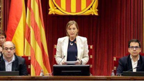 Carme Forcadell en el Parlamento catalán