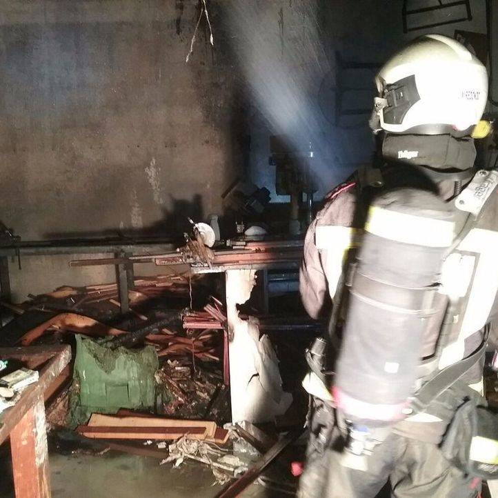 Incendio en una fábrica de puertas blindadas de un polígono de Leganés