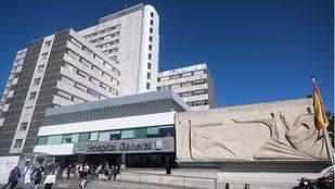 Hospital de La Paz, donde ha sido trasladado el herido.