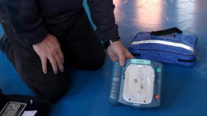 Un hombre roba un desfibrilador en Fuenlabrada