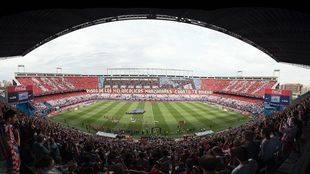 La afición llenando el Vicente Calderón en el último partido de Liga