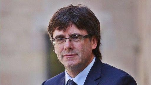 Puigdemont retrasa el proceso de entrega y participará en la campaña electoral