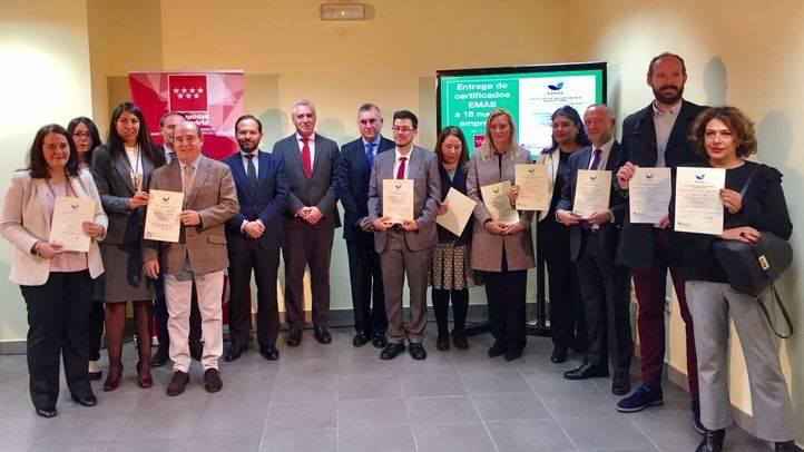 El viceconsejero de Medio Ambiente, Administración Local y Ordenación del Territorio, Pablo Altozano, ha entregado a 18 empresas y organizaciones madrileñas el distintivo EMAS.