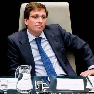 El PP y Cs exigen el cese de Carlos Sánchez Mato