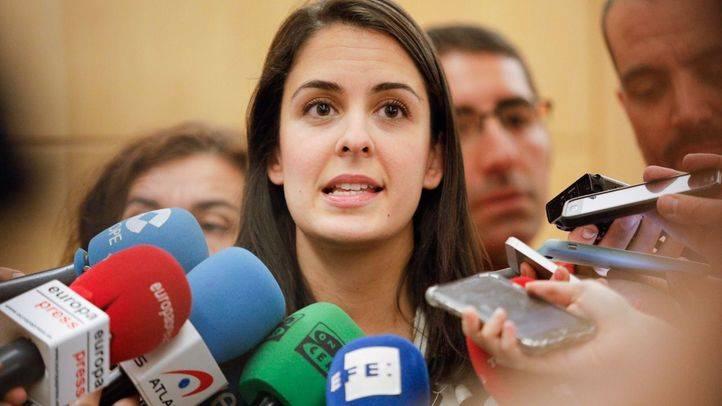 La portavoz del gobierno del Ayuntamiento de Madrid, Rita Maestre, atiende a los medios de comunicación para valorar la intervención de las cuentas por parte del ministerio de Hacienda.