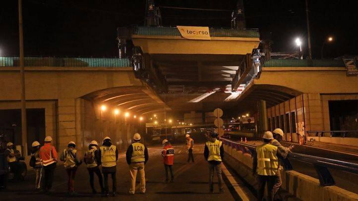Trabajos de reparación del puente de la avenida del Mediterráneo.