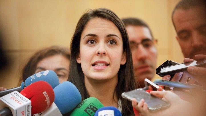La portavoz del gobierno del Ayuntamiento de Madrid, rita Maestre, atiende a los medios de comunicación para valorar la inteervención de las cuentas por parte del ministerio de Hacienda.