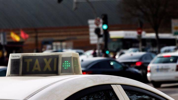 En el vídeo grabado  aparecen dos pasajeros junto al conductor.