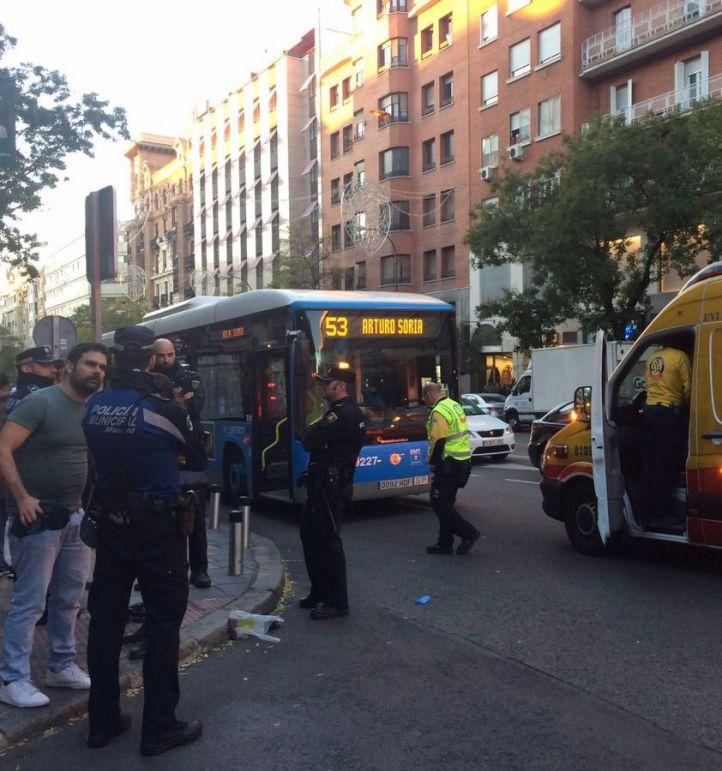Un bus de la EMT atropella a una mujer en Goya