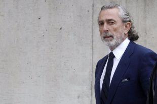 Francisco Correa entrando a la sede de la Audiencia Nacional de San Fernando de Henares para declara en el juicio del caso 'Gürtel'.