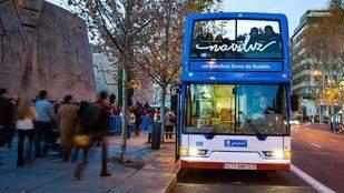 El 'Naviluz', el autobús para ver las luces navideñas de la capital