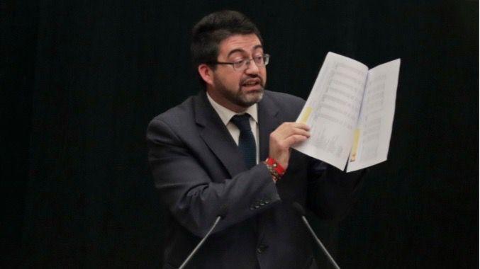El delegado de Economía y Hacienda, Carlos Sánchez Mato, durante un Pleno.