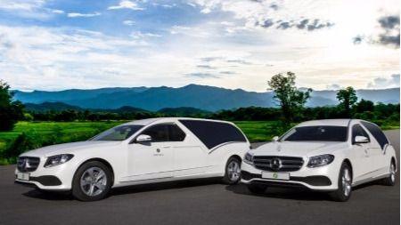 El blanco es el nuevo negro: los coches fúnebres municipales cambian de color