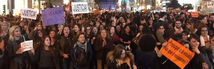 Manifestación feminista en Madrid en apoyo a la víctima de 'La Manada'.