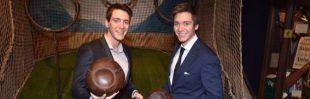 Los 'gemelos Weasley' inauguran Harry Potter: The Exhibition