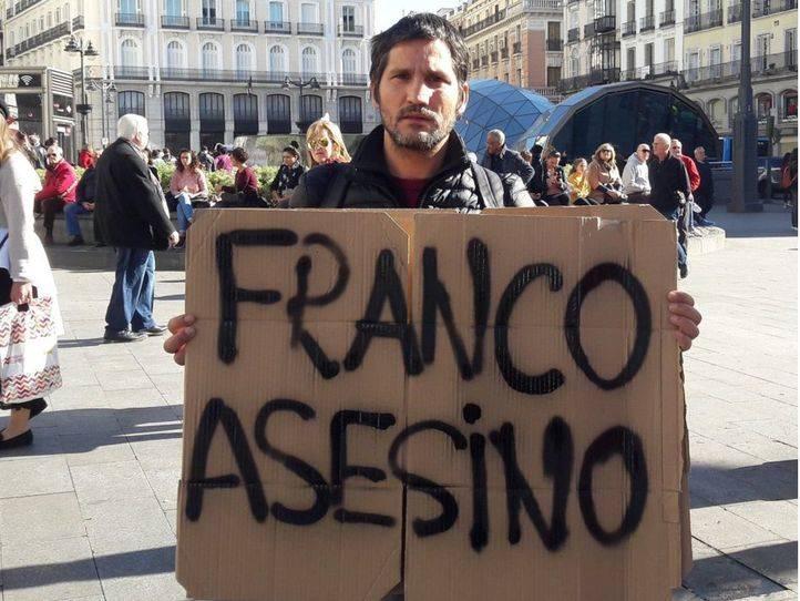 Sancionado por intentar parar una marcha falangista