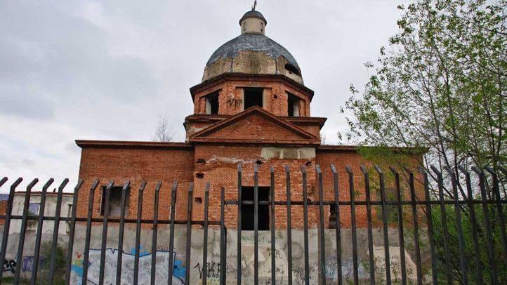 Iglesia rota Maris Stella de Orcasitas.